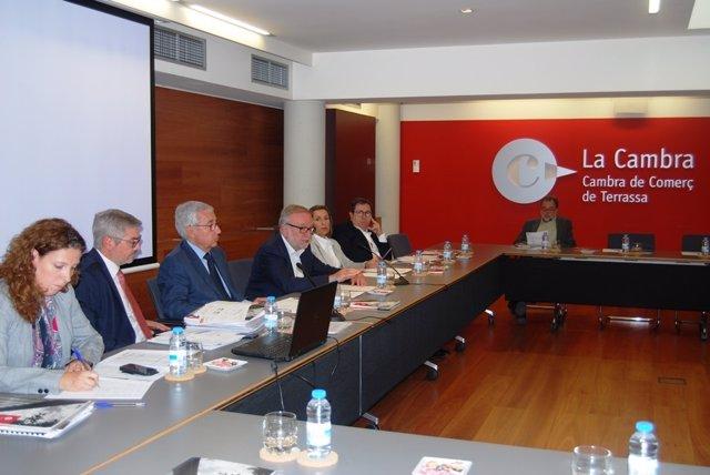 Sesión de una reunión del pleno de la Cámara de Comercio de Terrassa