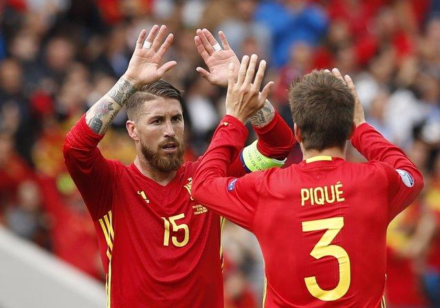 Sergio Ramos Gerard Piqué selección española España