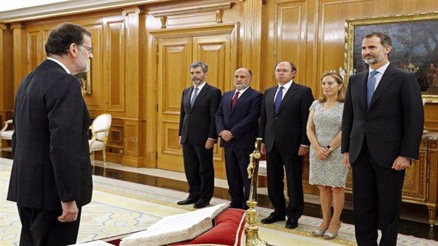 Rajoy jura ante el Rey el cargo de presidente del Gobierno