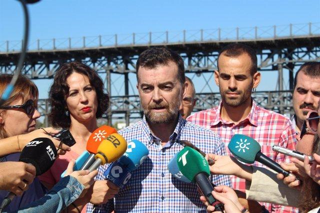 Antonio Maíllo realiza declaraciones a la prensa