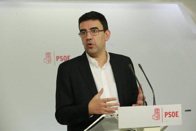 El portavoz de la Gestora del PSOE, Mario Jiménez, en Ferraz