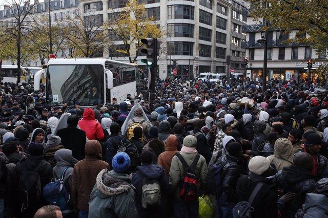 Campamento de París evacuado tras el cierre de la 'Jungla'