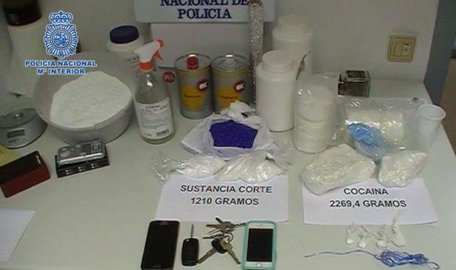 Drogas y efectos intervenidos en esta operación en Zaragoza