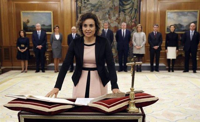 Ministra de Sanidad, Dolors Montserrat, jura cargo Gobierno Rajoy