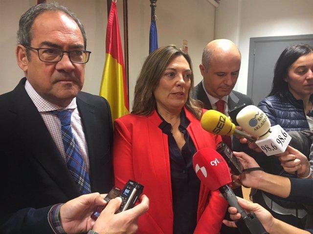 Marcos atiende a los medios en Burgos