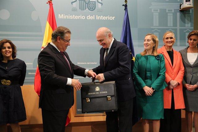 Juan Ignacio Zoido recibe la cartera de Jorge Fernández