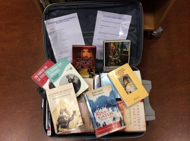 La Biblio-Maleta es una maleta física que hace circular hasta 50 ejemplares.