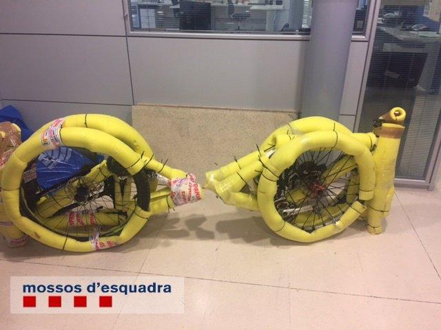Los detenidos enviaban las bicicletas a Rumanía por un servicio de mensajería.
