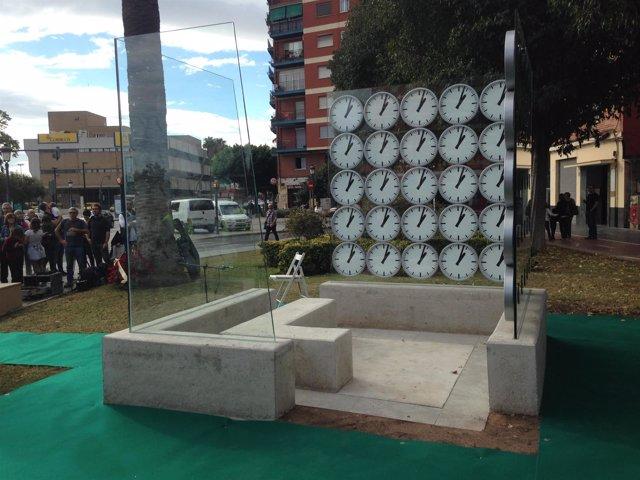 Monumento de homenaje a las víctimas del accidente de metro de Valencia en 2006