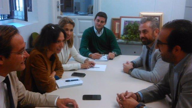 Reunión del PP de Granada con empresarios para ayudar a jóvenes