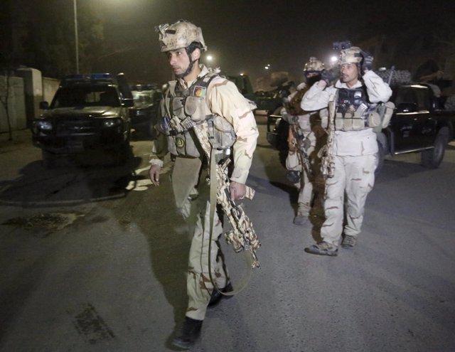 Militares afganos en Kabul