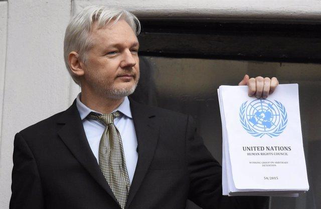 El fundador de Wikileaks, Julian Assange, en la Embajada de Ecuador en Londres