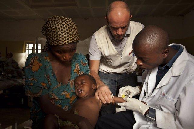 Cooperantes de Médicos Sin Fronteras (MSF) en República Democrática del Cogo