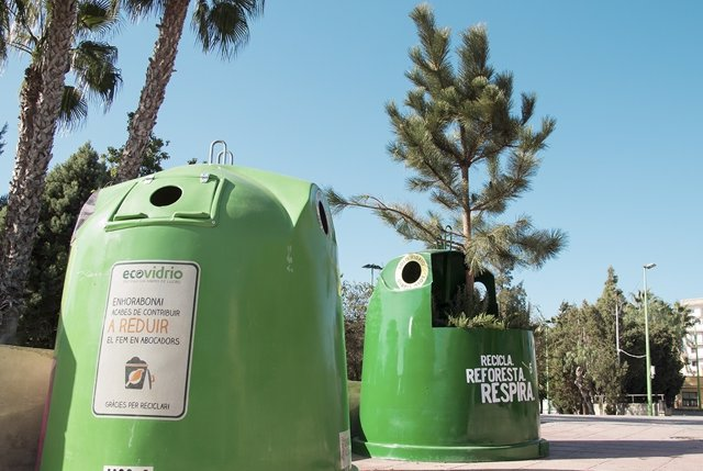 "Campaña Ecovidrio Y WWF ""Recicla. Reforesta. Respira"""