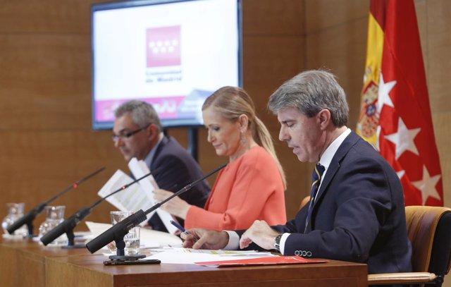 Ángel Garrido con Cifuentes y Carlos Izquierdo
