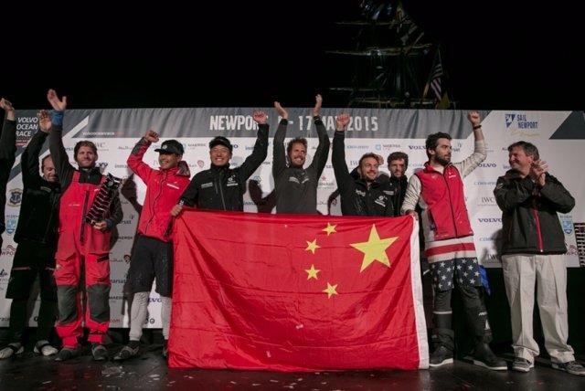 El Dongfeng celebra su victoria en Newport