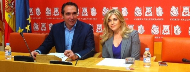 Rubén Ibáñez y eva Ortiz en rueda de prensa