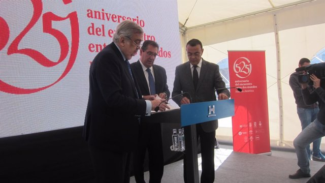 El presidente de la Diputación de Huelva, Ignacio Caraballo, con Antonio Pulido.