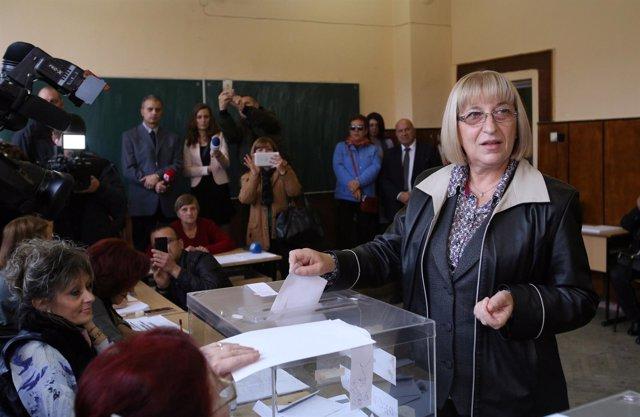 La candidata del Ciudadanos por el Desarrollo Europeo de Bulgaria, Tsacheva.