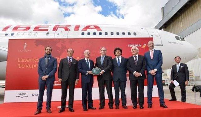 Iberia recibe el premio Español Universal 2016
