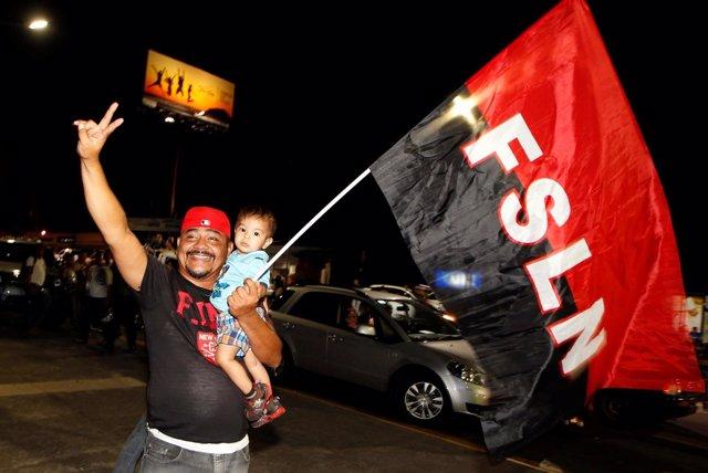 Simpatizantes de Daniel Ortega celebran su reelección presidencial