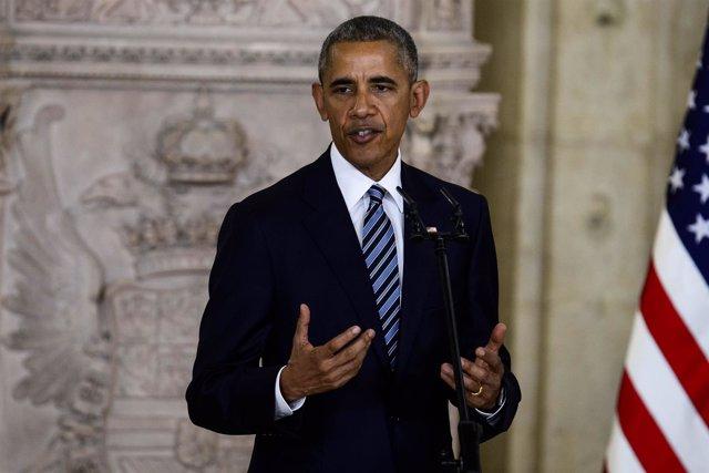 Obama hablando en público