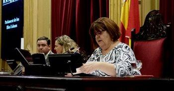 Huertas vota junto al PP en tres puntos de una moción contra la posición...