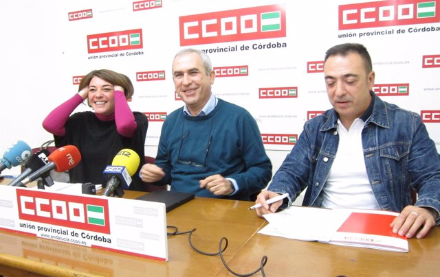 Elena Cortés, Rafael Rodríguez y José Damas en la rueda de prensa