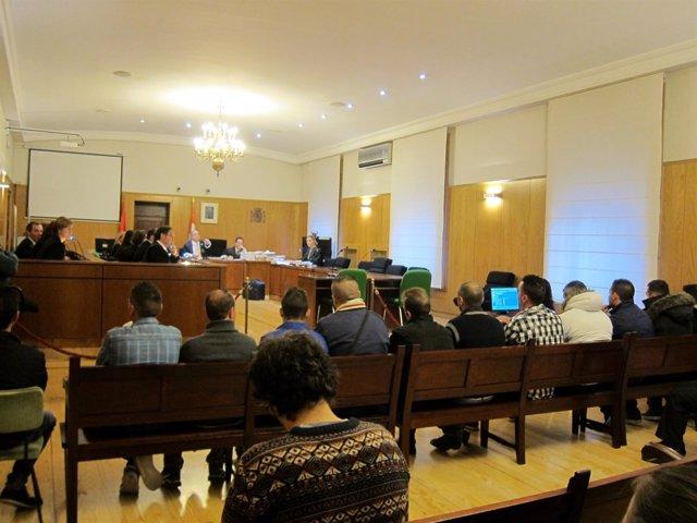 Sala de vistas de la Audiencia de Valladolid con los acusados.