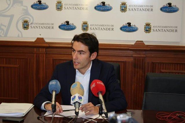Pedro Casares, concejal del PSOE Santander