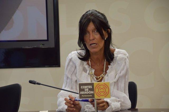 La diputada María José Ferrando, en rueda de prensa este lunes.