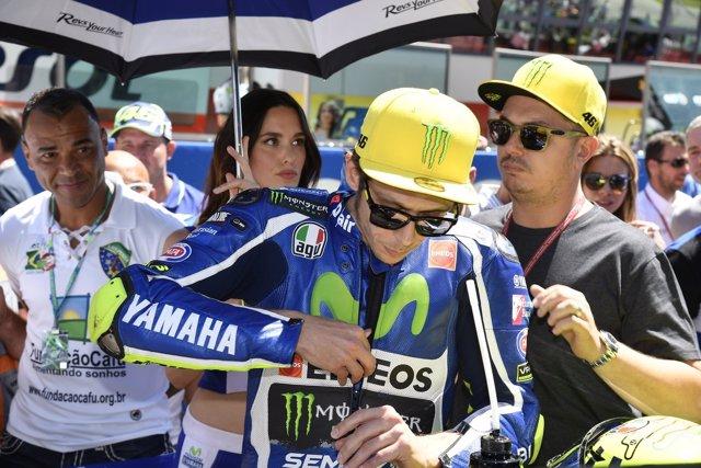Valentino Rossi en la parrilla de salida del GGPP de Italia 2016