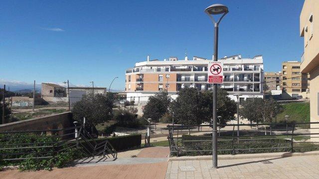 Cartel en Paterna prohibiendo los excrementos de perros