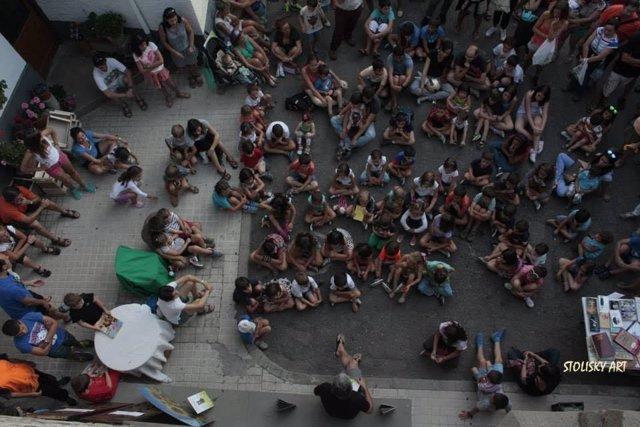 Actividad al aire libre de la biblioteca de Villanúa