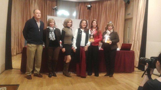Marta García Sarabia, junto a miembros del reparto de 'Jesucristo Superstar'