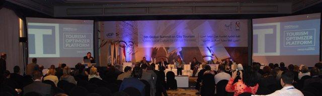 Presentación de nuevo concepto de turismo urbano en la Cumbre de Luxor