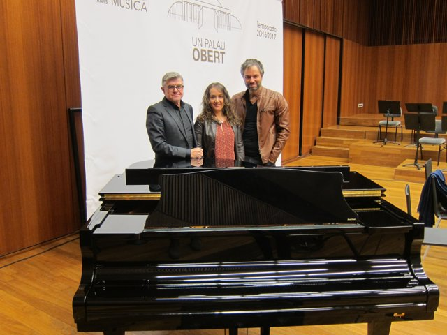 Vicent Ros, Glòria Tello y Josep Vicent. Casual Concert & Lounge. Palau.