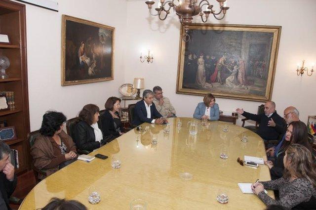 Delegación chilena visita la Diputación de Cáceres