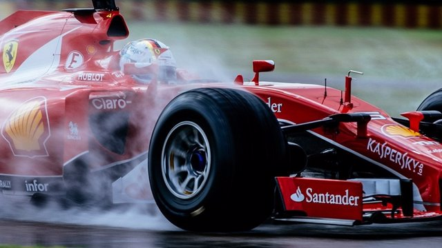 Ferrari Sebastian Vettel neumáticos Pirelli 2017