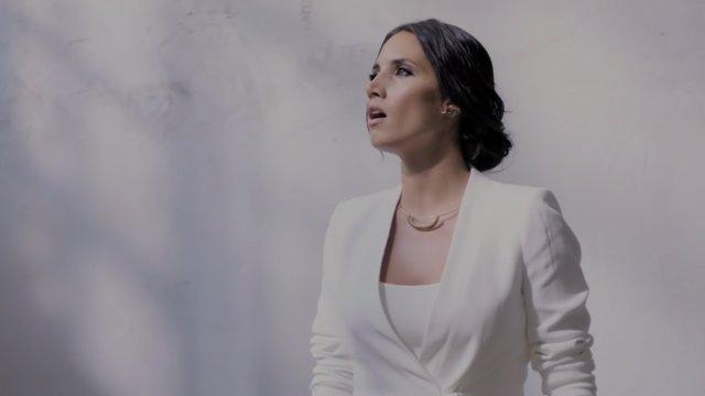 Una enigmática India Martínez en su nuevo vídeo