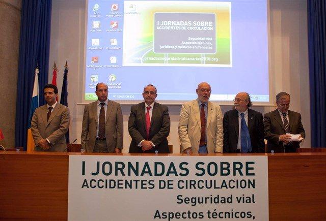 José Manuel Maza, tercero por la derecha