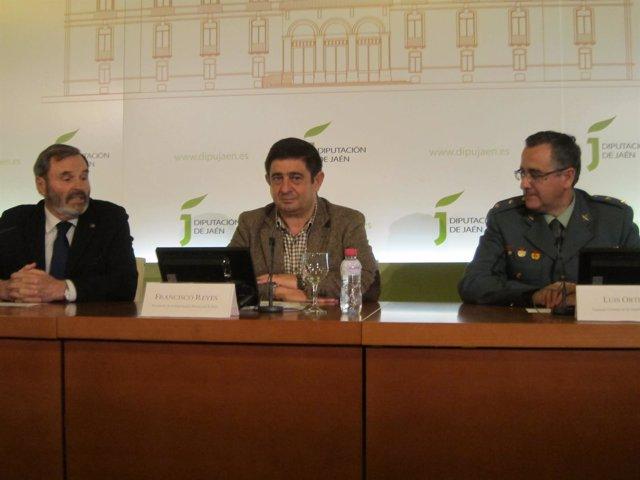 Presentación del convenio para el arreglo de las casas cuartel de Jaén