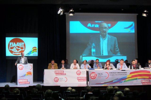 Javier Lambán en la clausura del congreso de FICA UGT-Aragón.