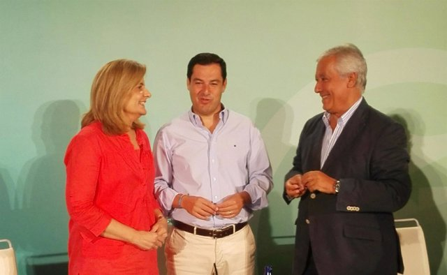 Fátima Báñez, Juanma Moreno y Javier Arenas, hoy en Sevilla