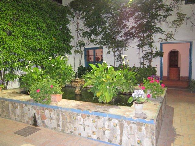 Uno De Los Patios Del Palacio De Viana, En Córdoba