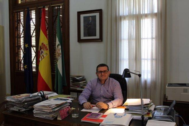 El director de la Aacid, Néstor Fernández