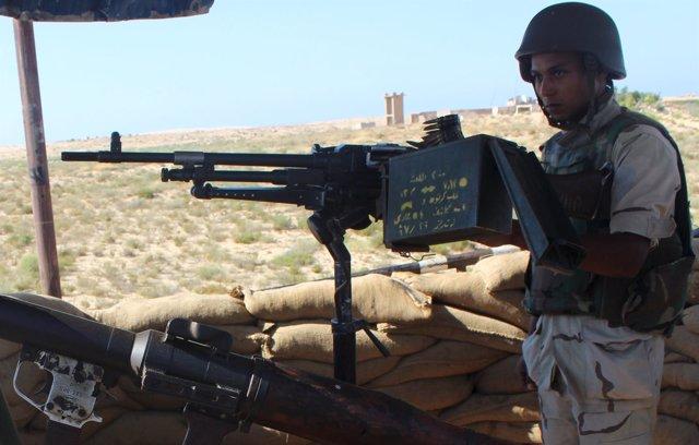 Un soldado en la región egipcia del Sinaí
