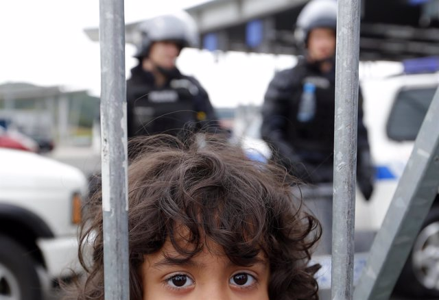 Una niña refugiada
