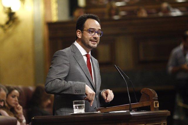 Antonio Hernando en el debate de investidura en el Congreso