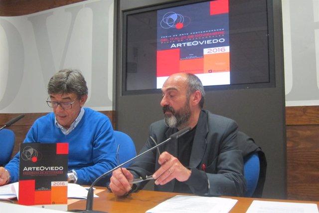 El edil de Cultura, Sánchez Ramos y el director de ArteOviedo, Iván Dasto